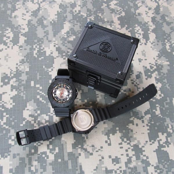 Купить Тактические часы Smith   Wesson Military and Police Tritium ... f5e65e9f85ec9